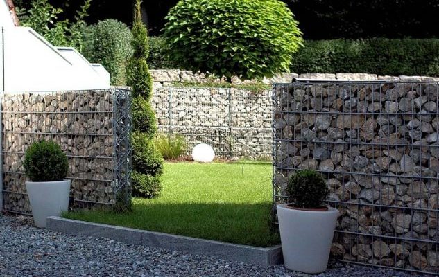 ideas on how to build a privacy stone walls or fences in outdoor