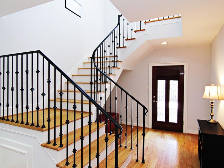 Understanding Of The Stairs For Minimalist Home Is Important To You, The  Type Of Material Used To Make The Minimalist Staircase Design Is Various.